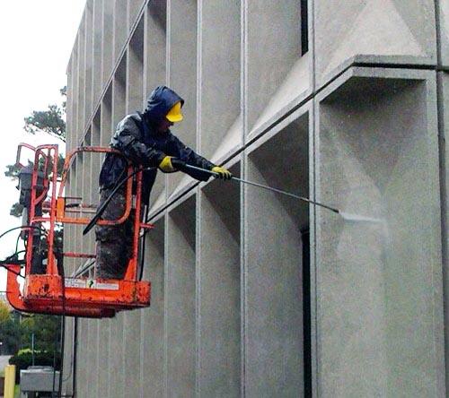 Мытье фасадов зданий
